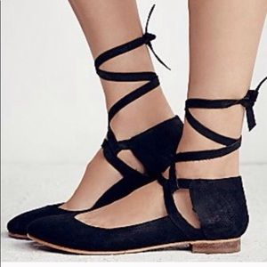 Free people tie up flats!